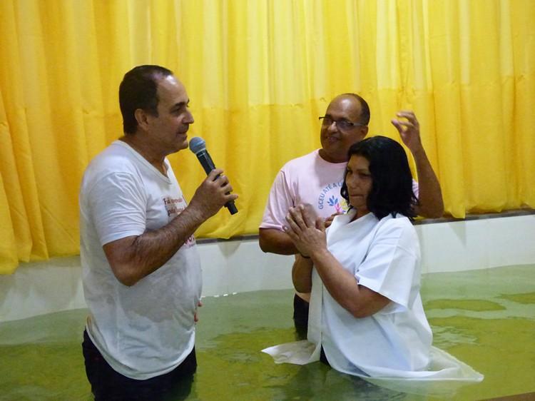 Santa ceia e batismo do mês de junho